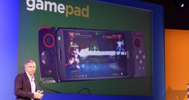 Moto Mod gamepad
