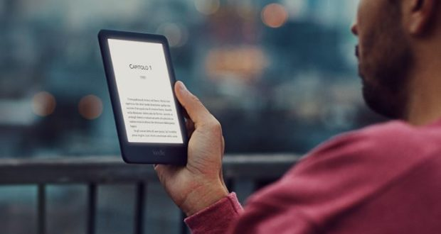Amazon lancia un nuovo kindle entry level con illuminazione led da